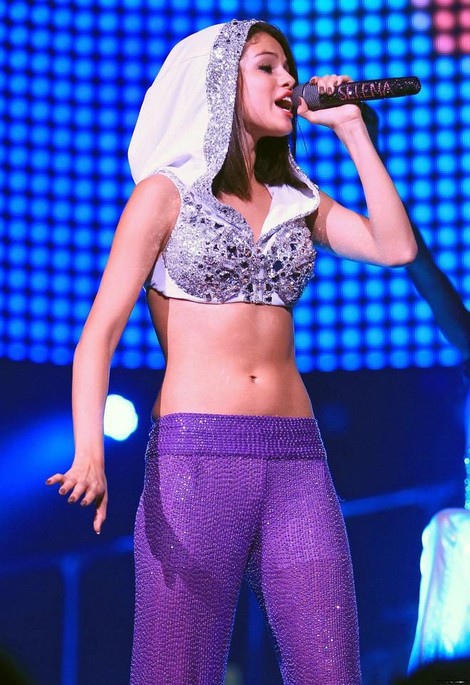 Chi Pu mặc thế này, khối người lại tưởng Selena Gomez vừa đến Hà Nội diễn - Ảnh 5.