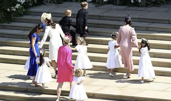 Hôm nay đám cưới em chồng, không phải ngẫu nhiên mà công nương Kate mặc lại kiểu váy cũ này - Ảnh 2.