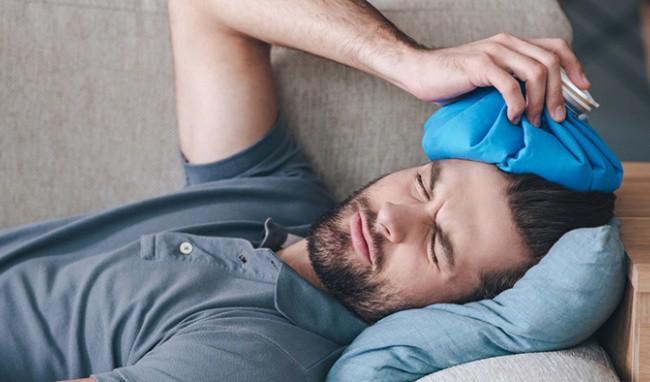 Sơ cứu nhanh chóng khi bị đập đầu xuống đất, tránh biến chứng chấn thương sọ não cực nguy hiểm - Ảnh 2.
