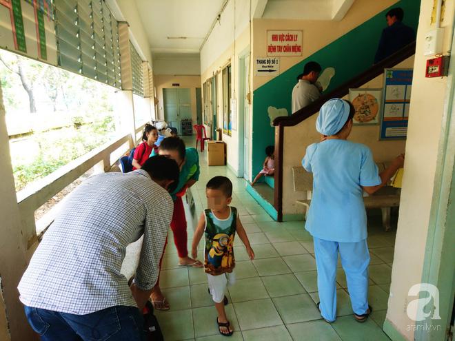 Bác sĩ Nhi đồng cảnh báo: Trẻ bị ho gà tăng mạnh, cha mẹ có thể mất con nếu lơ là không tiêm vắc-xin - Ảnh 3.