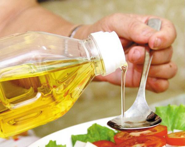 Nấu nướng nhất định phải biết lúc vô cùng thích hợp để thêm dầu ăn vào giúp món ăn ngon xuất sắc - Ảnh 1.