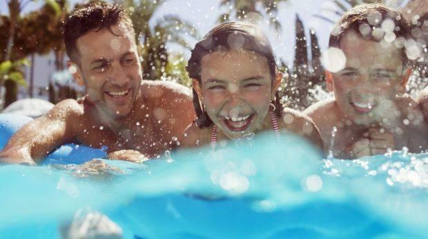Vì sức khỏe của mọi người, đừng bao giờ đi bơi khi bạn có triệu chứng tiêu chảy - Ảnh 2.