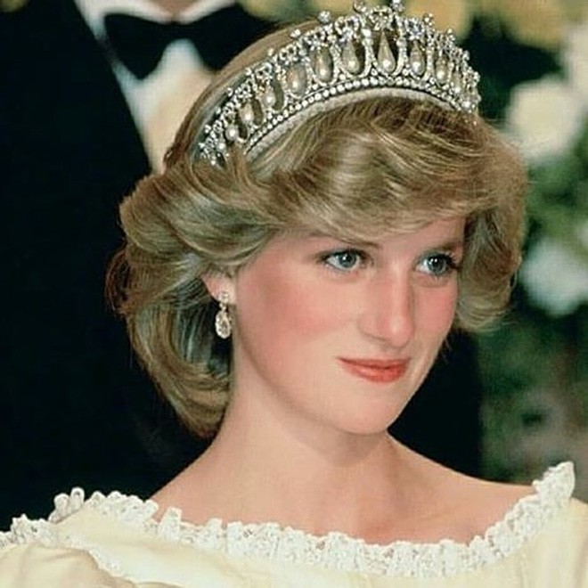 Nhan sắc và khí chất hoàn hảo của cố Công nương Diana trong những khoảnh khắc xưa - Ảnh 3.