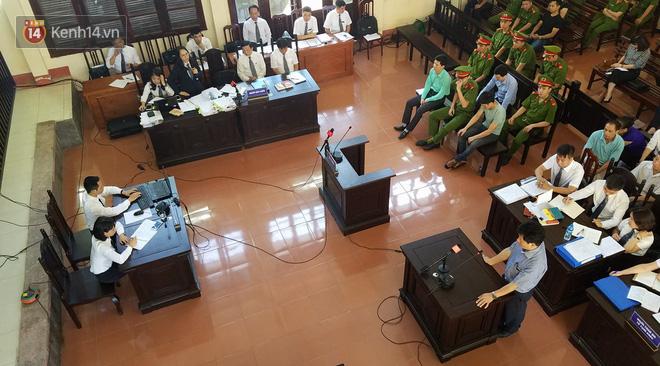 Nữ luật sư trao 9 phong bì cho người nhà nạn nhân trong phiên xử BS Lương: Đây là tình cảm cá nhân, không ảnh hưởng đến thân chủ của tôi - Ảnh 1.