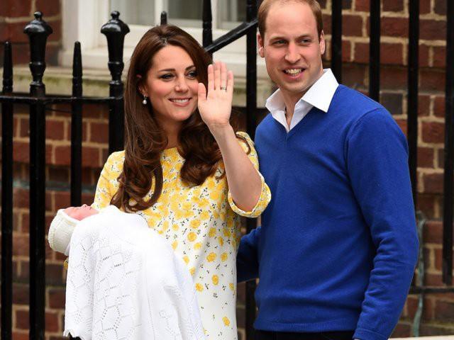 Mới 3 tuổi nhưng Công chúa Charlotte đã vượt mặt anh trai về sức ảnh hưởng trong ngành thời trang - Ảnh 5.