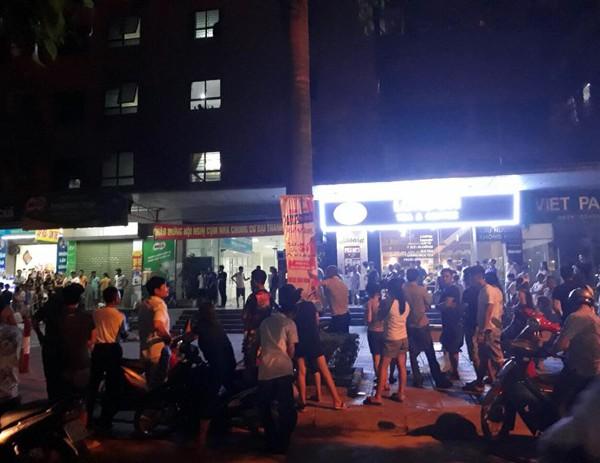 Hà Nội: Một người nghi nhảy lầu tự tử tại chung cư Đại Thanh - Ảnh 3.