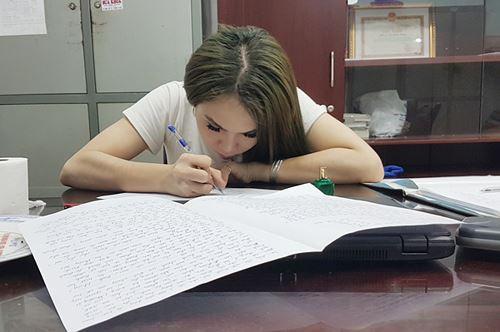 Hà Nội: Bắt quả tang hot girl chuyển giới bán dâm 3.5 triệu/đêm - Ảnh 1.