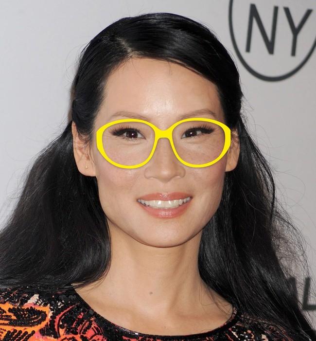 7 loại gương mặt và những bí kíp vàng giúp chị em chọn được mắt kính vừa chuẩn vừa đẹp - Ảnh 2.