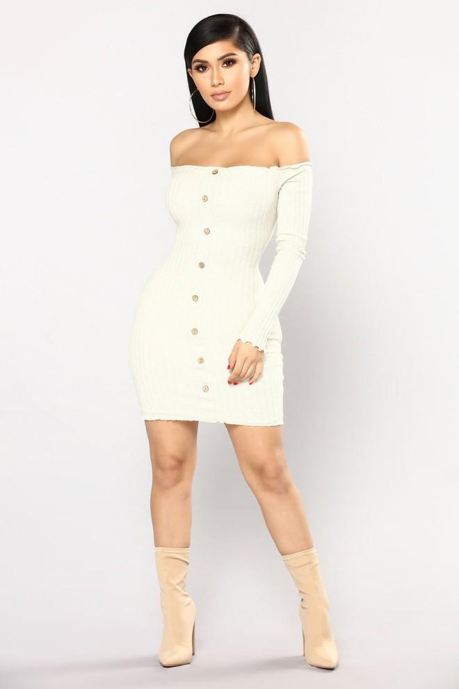 Nhờ hot mom Kylie Jenner lăng xê, bộ đầm ôm bình dân bỗng được dân tình ráo riết đặt mua - Ảnh 3.