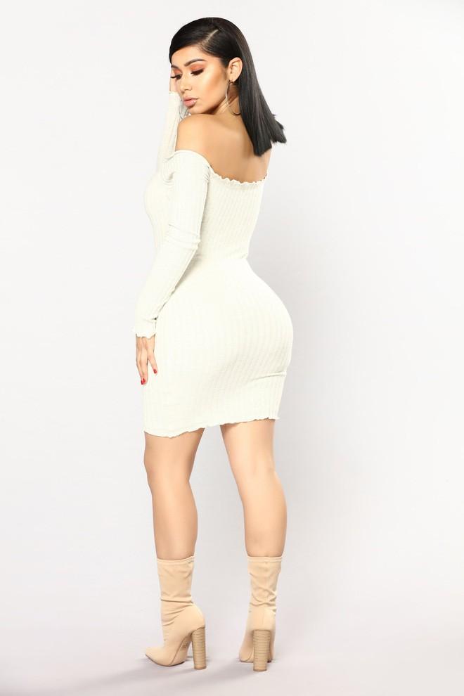 Nhờ hot mom Kylie Jenner lăng xê, bộ đầm ôm bình dân bỗng được dân tình ráo riết đặt mua - Ảnh 5.