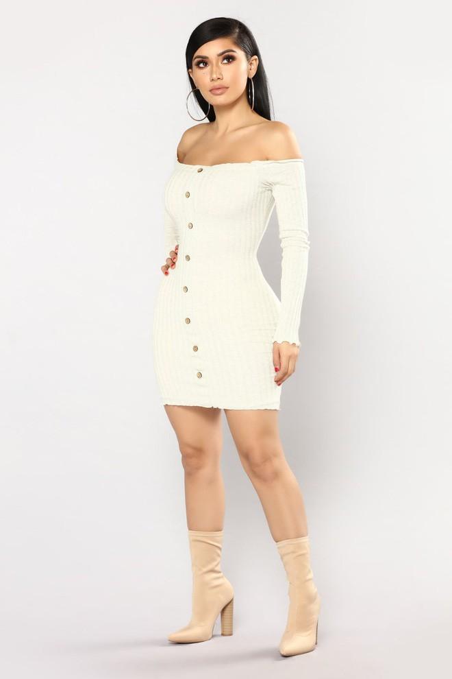 Nhờ hot mom Kylie Jenner lăng xê, bộ đầm ôm bình dân bỗng được dân tình ráo riết đặt mua - Ảnh 6.