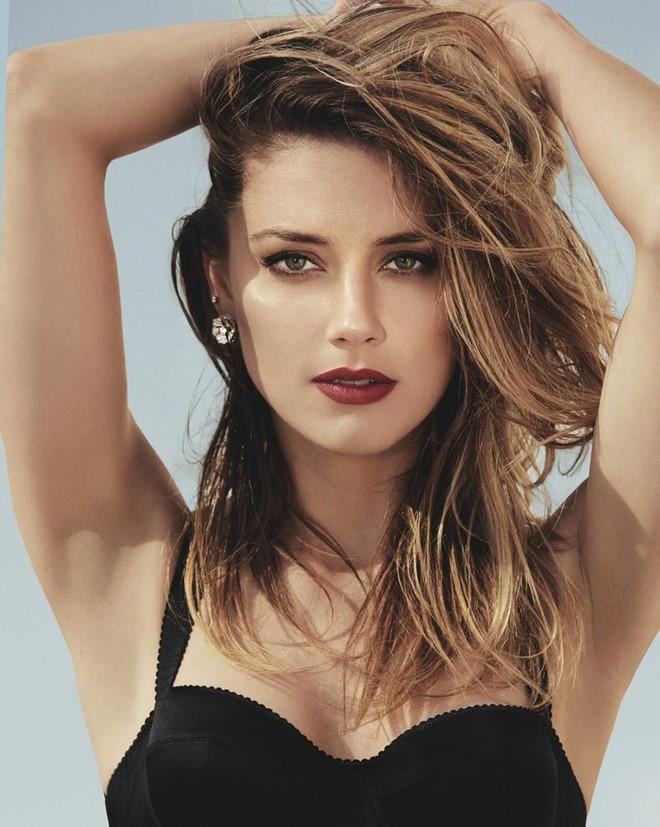 Không thích tập luyện tại phòng tập, Amber Heard vẫn giữ dáng hoàn hảo để xứng danh quyến rũ nhất thế giới nhờ cách này - Ảnh 2.