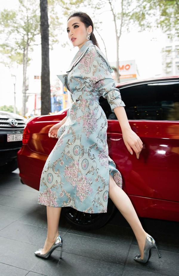 Chỉ diện đồ đen trắng nhưng loạt sao Việt này vẫn sang chảnh đầy thu hút trong top sao mặc đẹp tháng 5 - Ảnh 4.