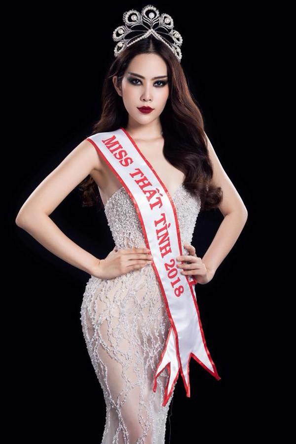 Nam Em - Chi Pu: Những người đẹp đi hát xứng danh bà hoàng thị phi của showbiz Việt - ảnh 9