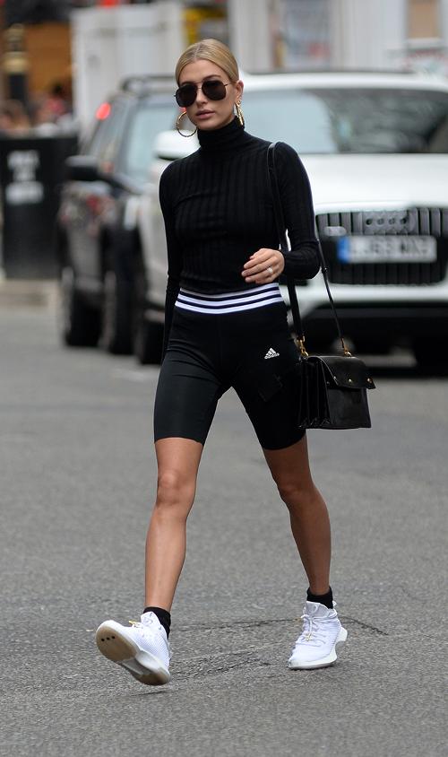Nhìn lại mới thấy, công nương Diana mặc đồ thể thao ngầu có kém gì các fashionista thời hiện đại - Ảnh 3.
