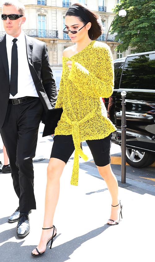 Nhìn lại mới thấy, công nương Diana mặc đồ thể thao ngầu có kém gì các fashionista thời hiện đại - Ảnh 4.