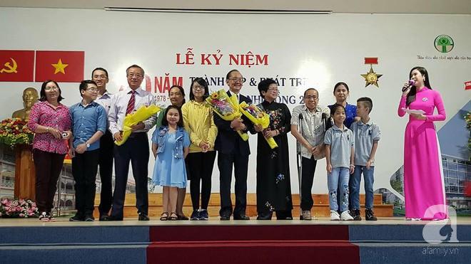Người anh của cặp song sinh Việt - Đức dẫn vợ con gặp lại người bố tái sinh mình trong ca mổ chấn động thế giới 30 năm trước - Ảnh 5.