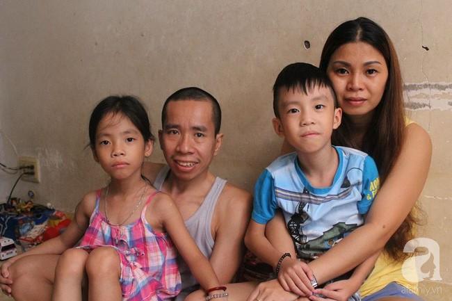 Người anh của cặp song sinh Việt - Đức dẫn vợ con gặp lại người bố tái sinh mình trong ca mổ chấn động thế giới 30 năm trước - Ảnh 3.