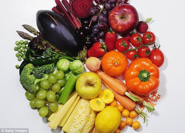 Phụ nữ nếu thường xuyên ăn nhóm thức ăn này sẽ có nguy cơ vô sinh cao gấp đôi so với những người ăn nhiều trái cây - Ảnh 2.