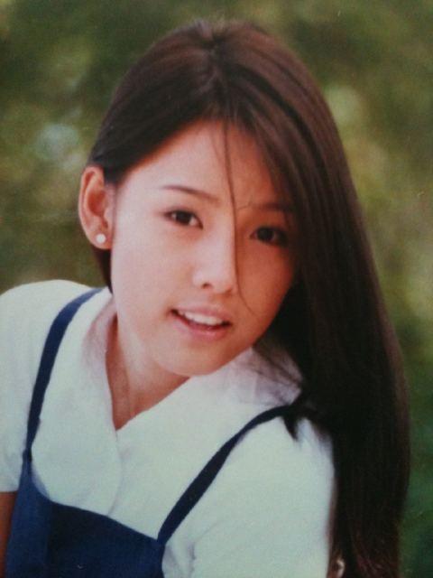 Nữ hoàng sexy Lee Hyori: Từ quá khứ lấm lem bùn đất cho tới tình yêu như cổ tích với trai xấu nhất Hàn Quốc - Ảnh 2.