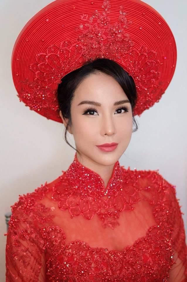 Cùng diện áo dài đỏ ngày ăn hỏi, Diệp Lâm Anh, HH Thu Thảo và Hà Tăng lại chọn 3 phong cách hoàn toàn khác nhau - Ảnh 3.