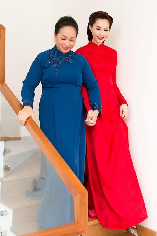 Cùng diện áo dài đỏ ngày ăn hỏi, Diệp Lâm Anh, HH Thu Thảo và Hà Tăng lại chọn 3 phong cách hoàn toàn khác nhau - Ảnh 9.
