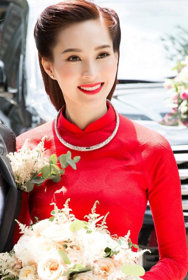 Cùng diện áo dài đỏ ngày ăn hỏi, Diệp Lâm Anh, HH Thu Thảo và Hà Tăng lại chọn 3 phong cách hoàn toàn khác nhau - Ảnh 10.