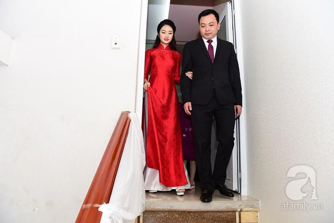 Cùng diện áo dài đỏ ngày ăn hỏi, Diệp Lâm Anh, HH Thu Thảo và Hà Tăng lại chọn 3 phong cách hoàn toàn khác nhau - Ảnh 11.