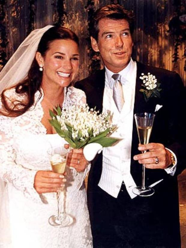 Nếu nói ngoại hình là thuốc bổ của hôn nhân, sẽ phải giải thích sao cho cuộc tình kéo dài 23 năm giữa James Bond quyến rũ nhất hành tinh với người vợ thừa cân, kém sắc? - Ảnh 5.