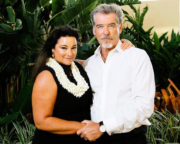 Nếu nói ngoại hình là thuốc bổ của hôn nhân, sẽ phải giải thích sao cho cuộc tình kéo dài 23 năm giữa James Bond quyến rũ nhất hành tinh với người vợ thừa cân, kém sắc? - Ảnh 10.