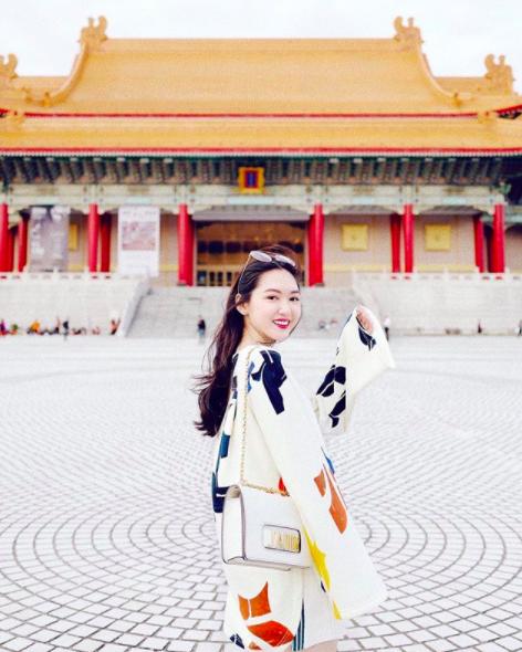 4 beauty blogger Việt mới nổi: Đã xinh đẹp lại sở hữu cuộc sống sang chảnh đến đáng ghen tị! - Ảnh 5.