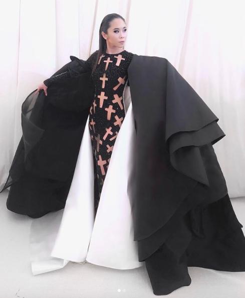Được mời đích danh bởi hội đồng Met Gala, fashionista Nga Nguyễn trở thành gương mặt Việt Nam đầu tiên xuất hiện trên thảm đỏ đình đám - Ảnh 3.