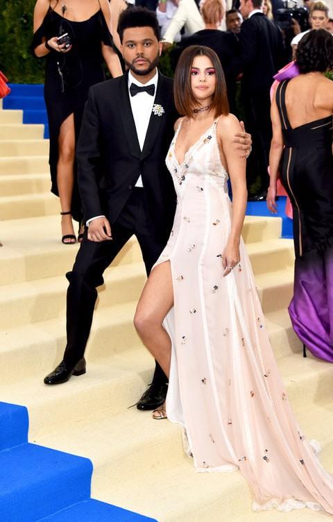 Cận cảnh vẻ kém sắc của Selena Gomez tại Met Gala: Vừa béo vừa nhợt nhạt thua xa các mỹ nhân khác - Ảnh 8.