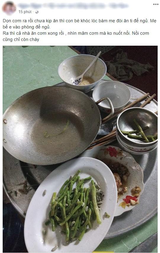 Dọn cơm xong thì con quấy đòi ngủ, đến lúc ra ăn, mẹ trẻ uất nghẹn khi nhìn mâm cơm cả nhà phần lại - Ảnh 1.