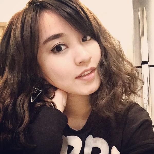 Mi Vân – từ hot girl đời đầu vạn người mê đến bà mẹ đơn thân quyến rũ nóng bỏng - Ảnh 1.