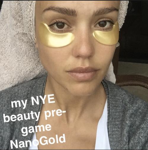"""Được bao người đẹp Hollywood """"selfie"""" cùng, loại mặt nạ chiết xuất từ vàng này có gì xuất sắc đến thế? - Ảnh 3."""