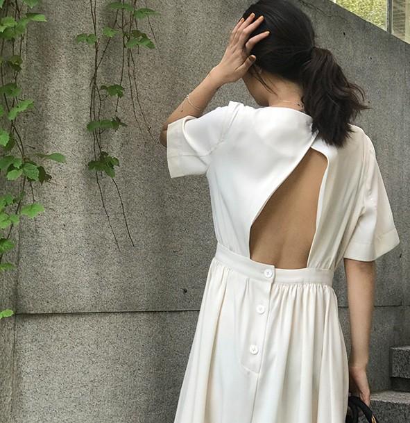 Nữ tính điệu đà mà vẫn sexy hết nấc, hèn gì váy vải hở lưng được con gái Hàn thi nhau diện hè này - Ảnh 2.