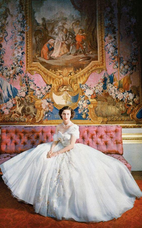 Em gái Nữ hoàng Anh – nàng công chúa tai tiếng nhất gia đình Hoàng gia nhưng vẻ đẹp và phong cách thời trang thì đã đi vào huyền thoại và khó ai sánh bằng - Ảnh 4.