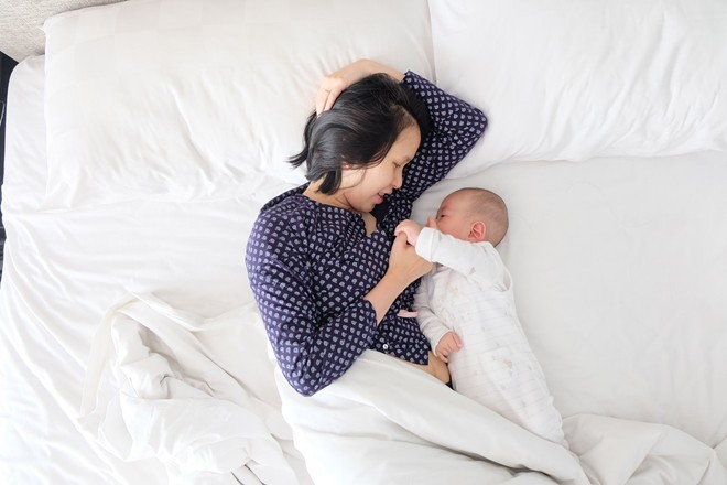 6 thói quen xấu của cha mẹ khiến việc nuôi dạy con trở nên khó khăn hơn bao giờ hết - Ảnh 2.