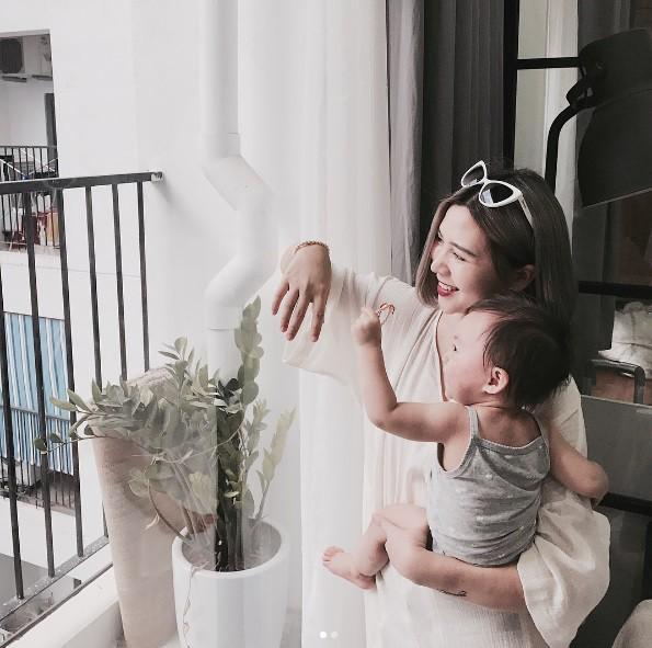 Ghen tị với tổ ấm chồng chiều con ngoan của những hot girl Việt đình đám - Ảnh 43.