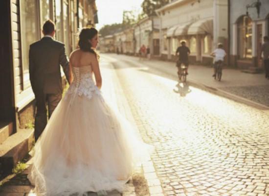 Con gái khôn thì đừng lấy chồng xa, chồng có tốt đến đâu cũng không bằng bố mẹ - Ảnh 1.