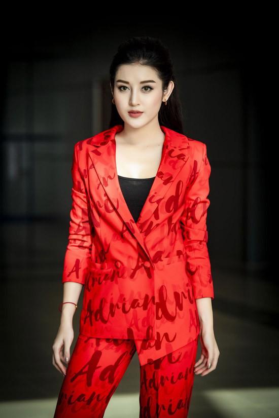 Nào chỉ đụng nhau một bộ đồ, Huyền My và Jolie Nguyễn còn một điểm chung khác chưa nhiều người nhận ra - Ảnh 1.