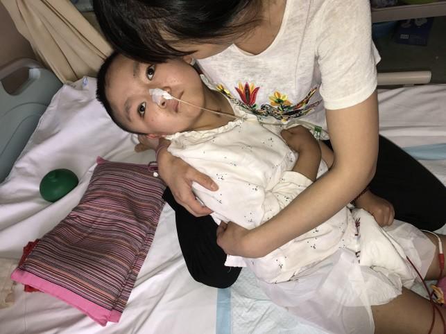 Cảm động người mẹ thà phải đối mặt với căn bệnh ung thư vẫn quyết nhường hy vọng sống cho con gái mình - Ảnh 5.