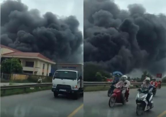 Hải Phòng: Cháy lớn thiêu rụi hàng nghìn mét vuông nhà xưởng, cột khói đen bốc cao hàng trăm mét - Ảnh 1.