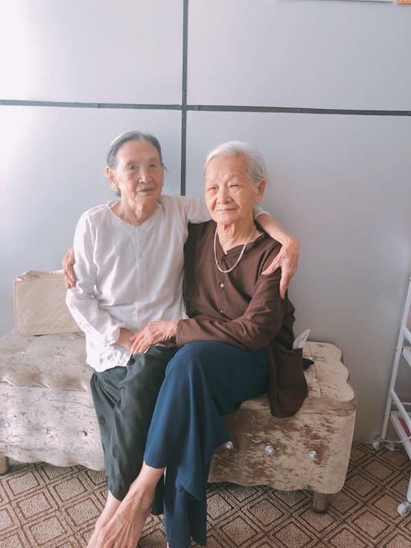 Hai cụ bà 90 tuổi vẫn rủ nhau đi spa chăm sóc da, làm đẹp khiến giới trẻ vô cùng thích thú - Ảnh 5.