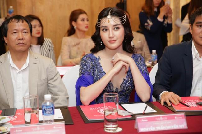 Ham hố chặt chém, Á hậu Huyền My trông như bạn cùng lứa với Hoa hậu Hà Kiều Anh - Ảnh 2.