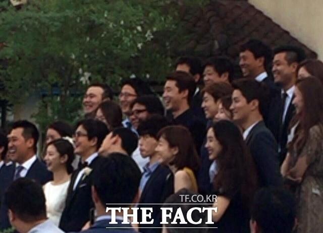 Những đám cưới có dàn khách mời khủng nhất xứ Hàn: Toàn minh tinh, Song Song không đọ được với Jang Dong Gun? - Ảnh 16.