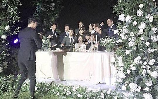 Những đám cưới có dàn khách mời khủng nhất xứ Hàn: Toàn minh tinh, Song Song không đọ được với Jang Dong Gun? - Ảnh 18.