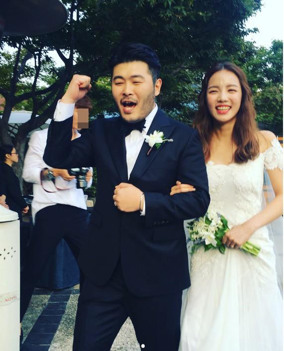 Những đám cưới có dàn khách mời khủng nhất xứ Hàn: Toàn minh tinh, Song Song không đọ được với Jang Dong Gun? - Ảnh 22.
