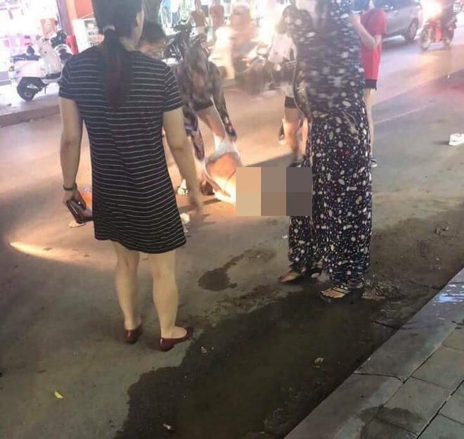 Người phụ nữ bị lột đồ, đổ nước mắm ở Thanh Hóa đề nghị công an khởi tố vụ án - ảnh 1